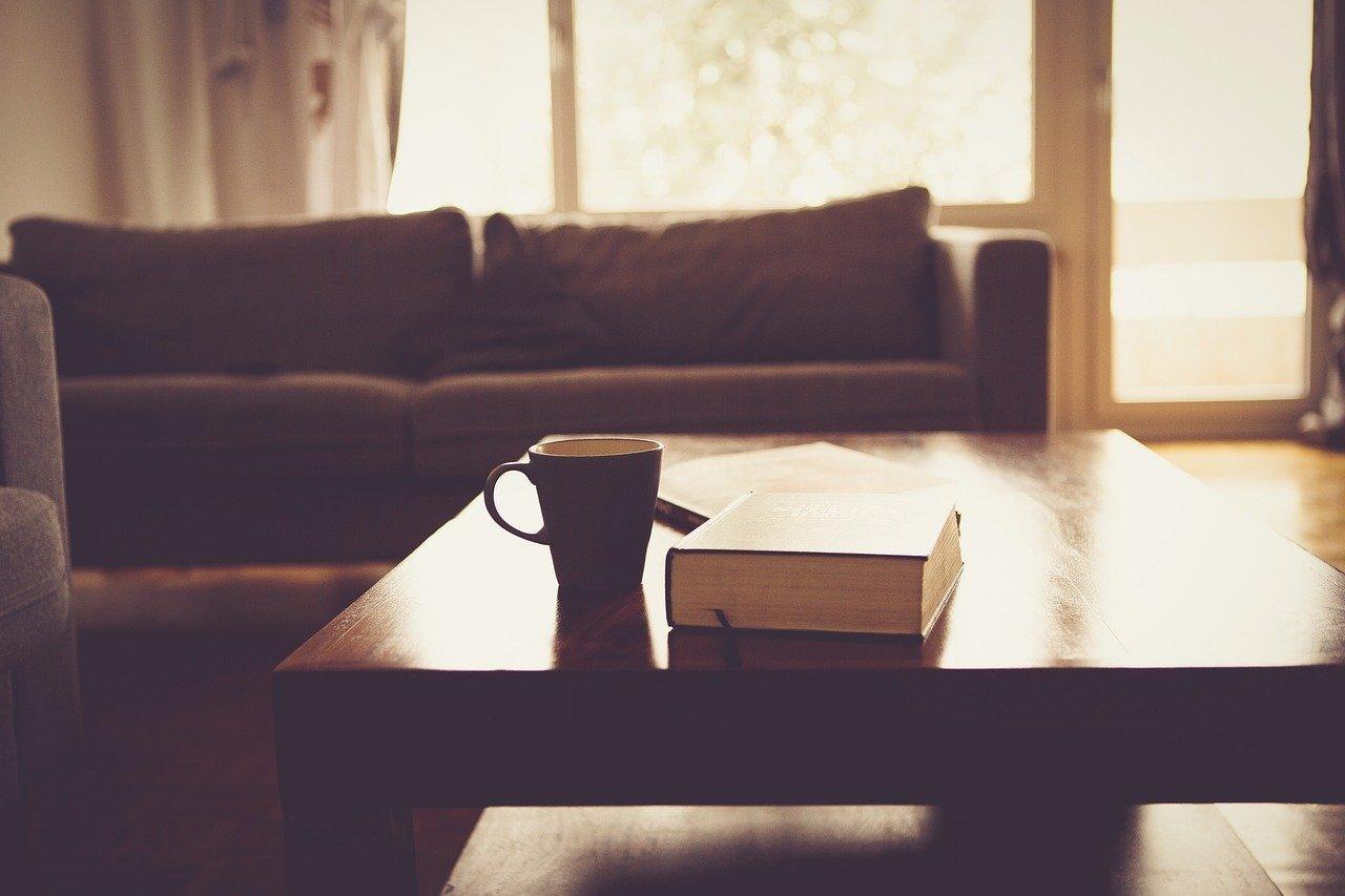 Comment bien choisir une table basse pour son salon?